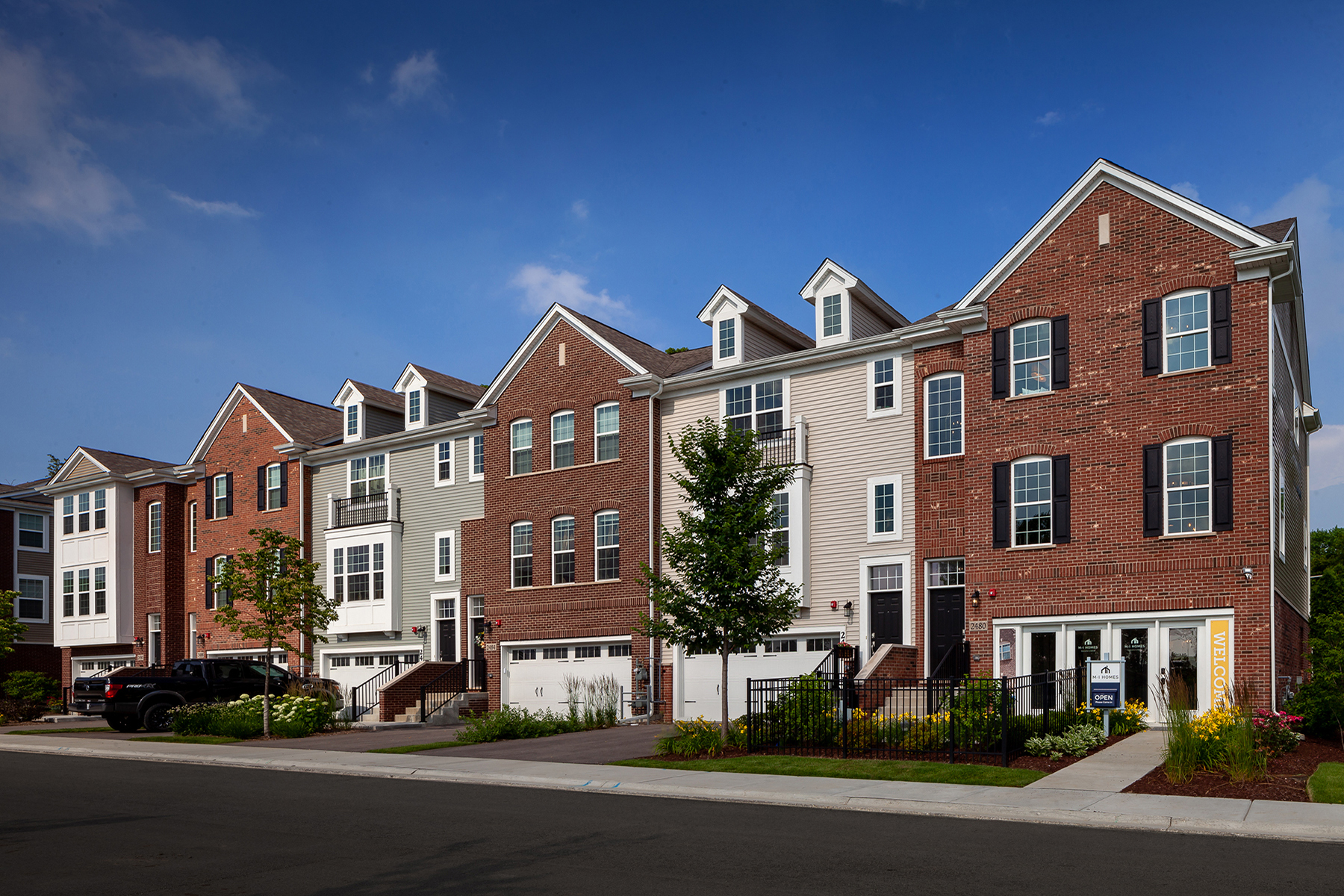 Woodview Streetscape