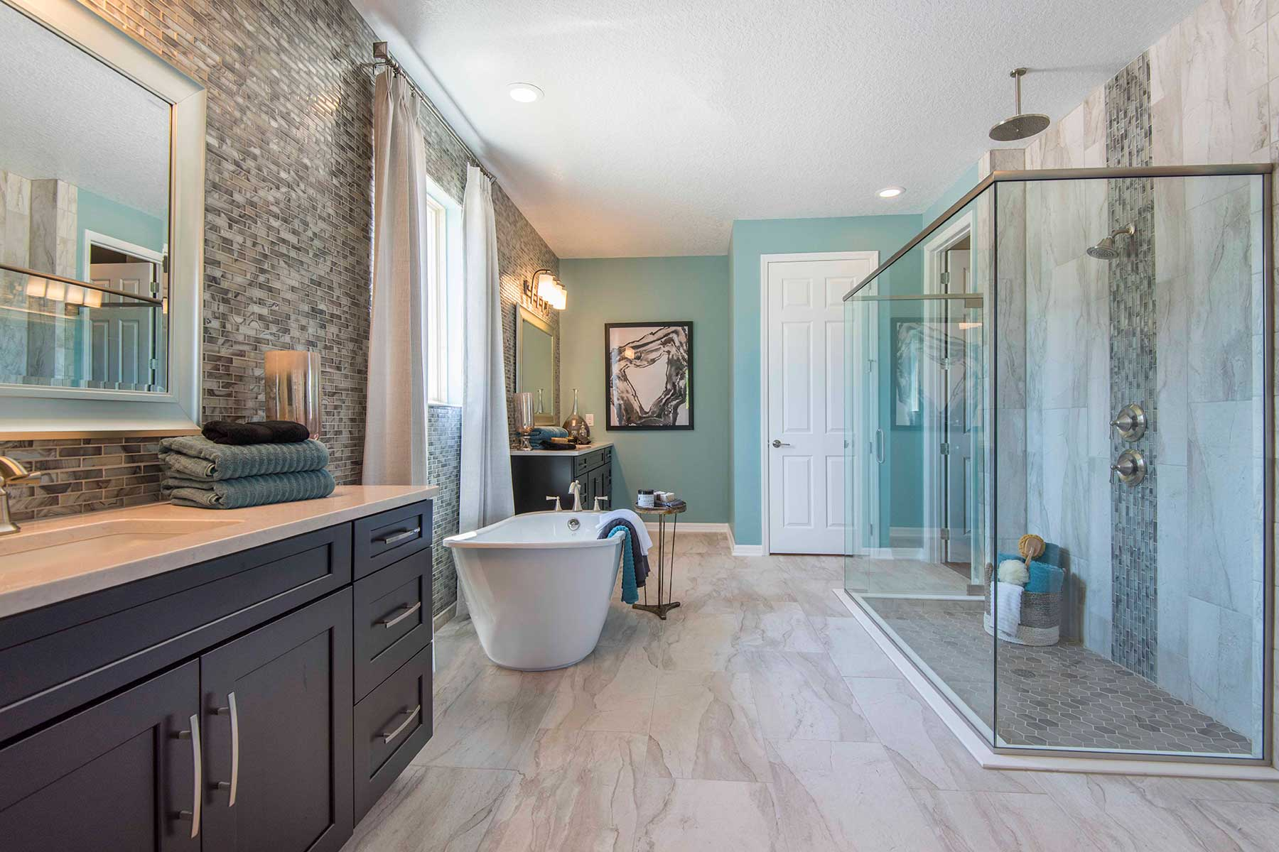 Estates at Lake Pickett Master Bathroom
