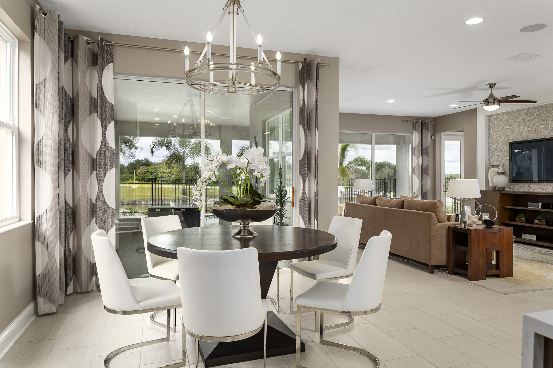 Hull Island Eco Series Dining Area