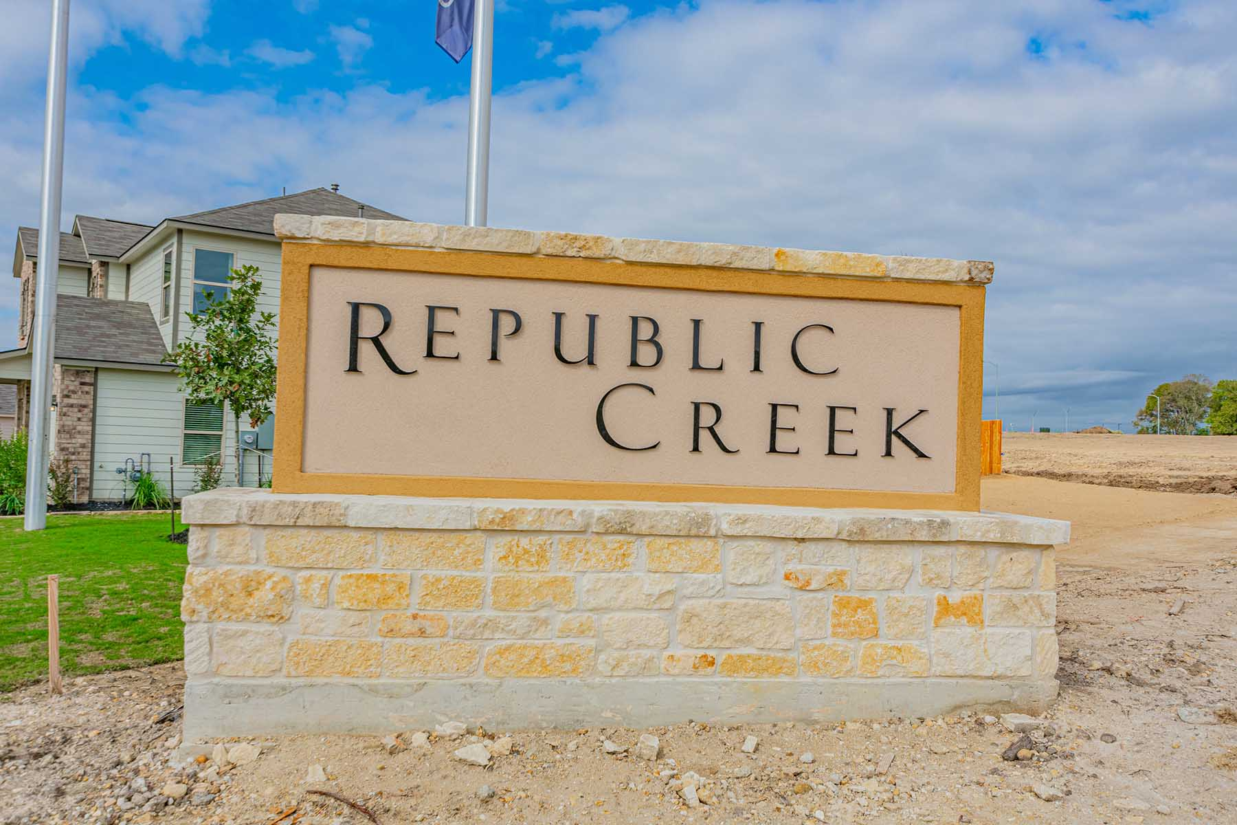 Republic Creek Entrance