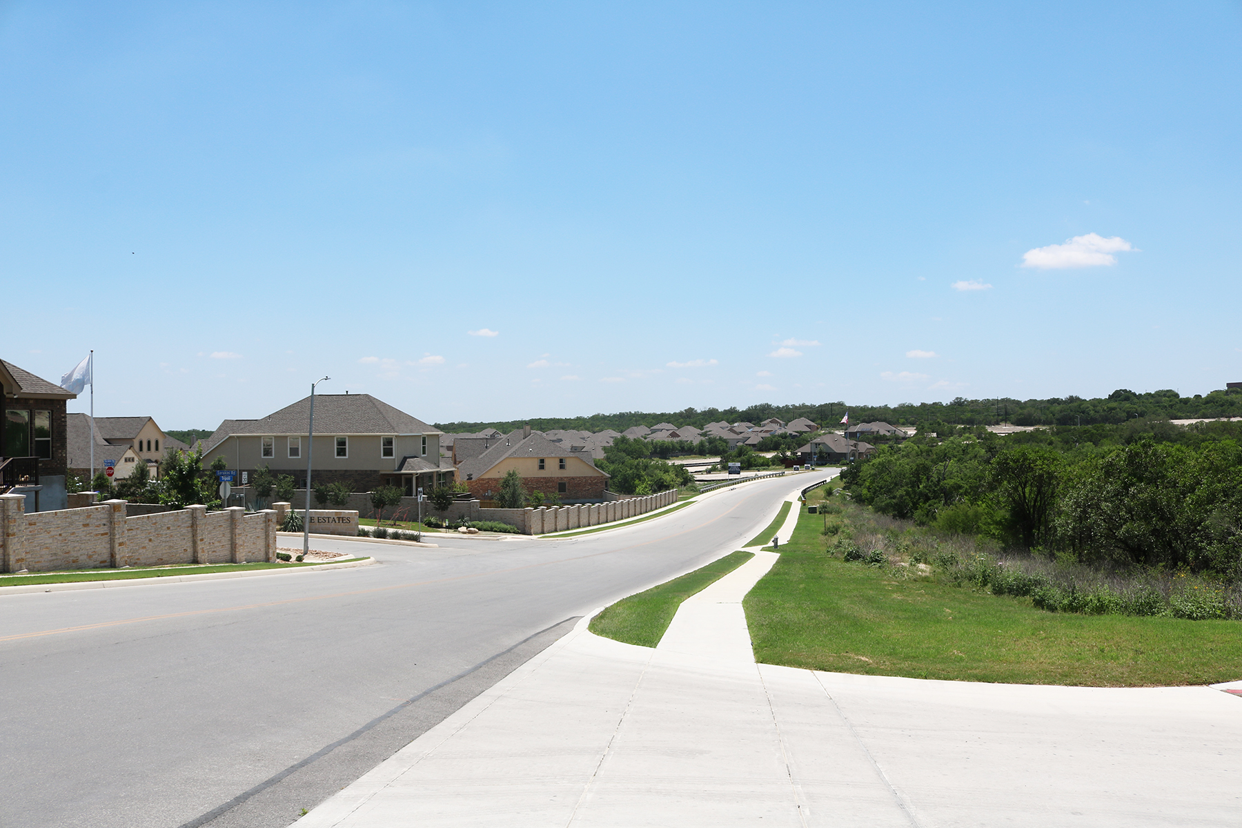 Arcadia Ridge Streetscape