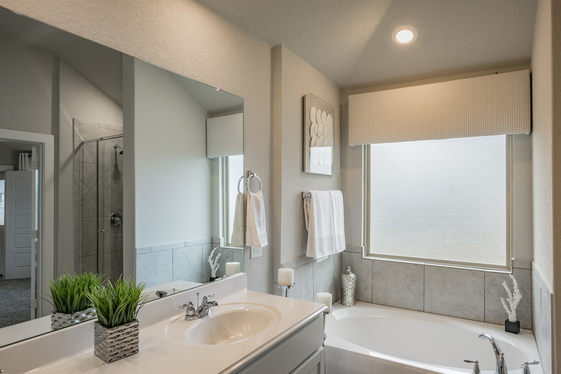 Vista Ridge Owner's Bathroom