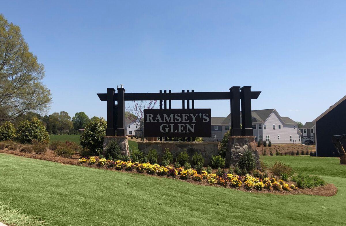 Ramsey's Glen Entrance