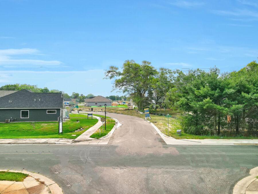 Alexander Woods Entrance