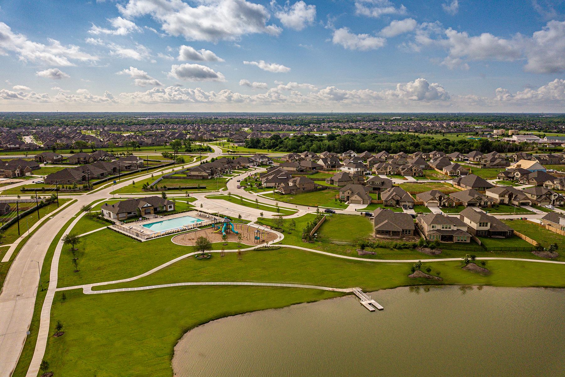Lakes of Savannah Recreation Center