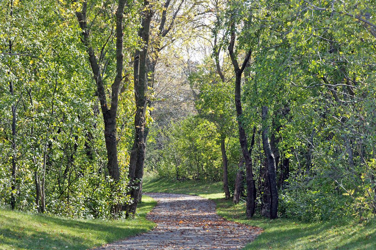 Woodland Cove Community Trails