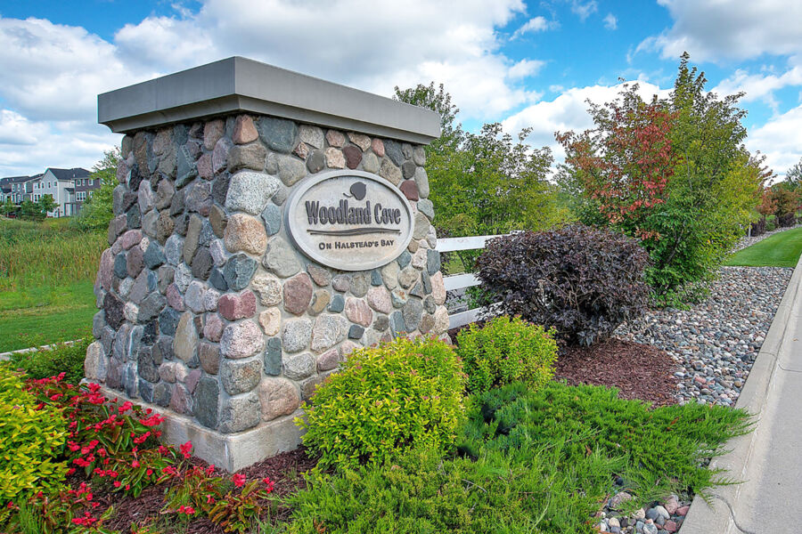 The Ridge at Woodland Cove Entrance