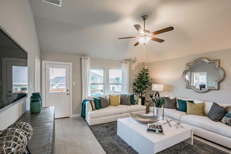 Vista Ridge Living Room