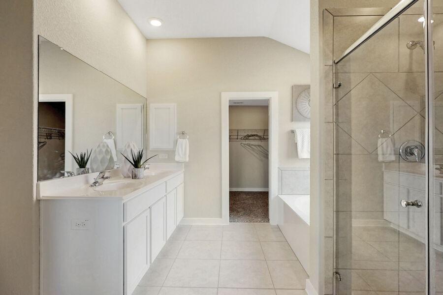 Bridgehaven Owner's Bathroom