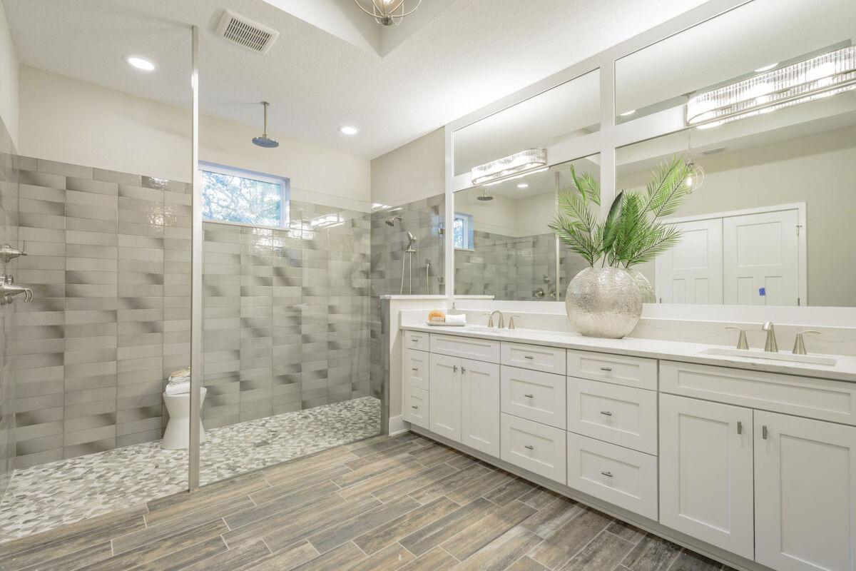 Sylvan Lea Master Bathroom