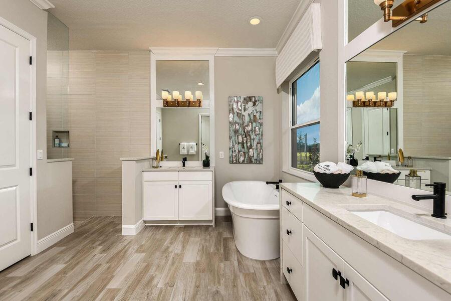 Rivo Lakes Master Bathroom