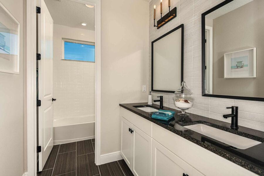 Rivo Lakes Bathroom