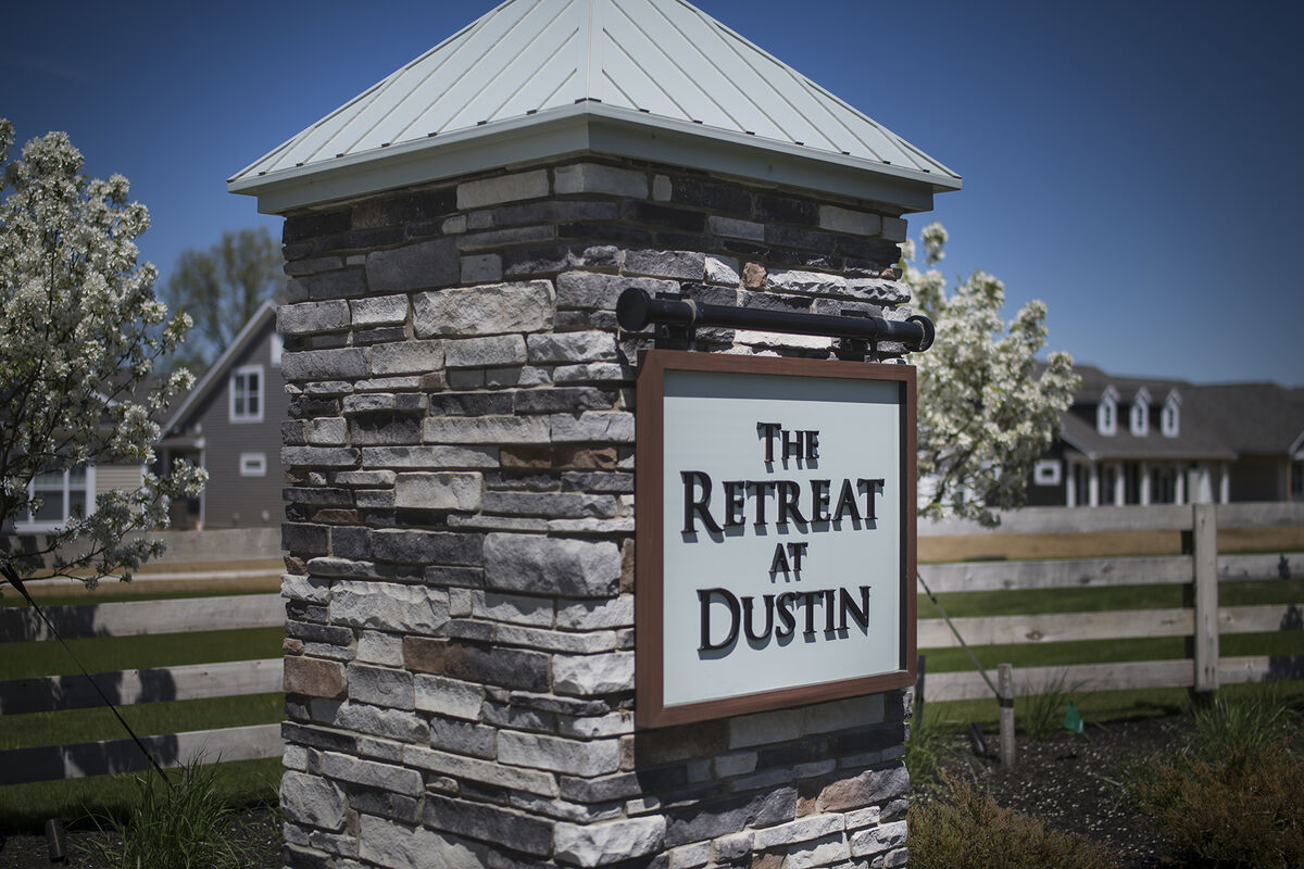 Retreat at Dustin Entrance