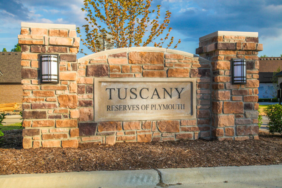 Tuscany Reserve Entrance