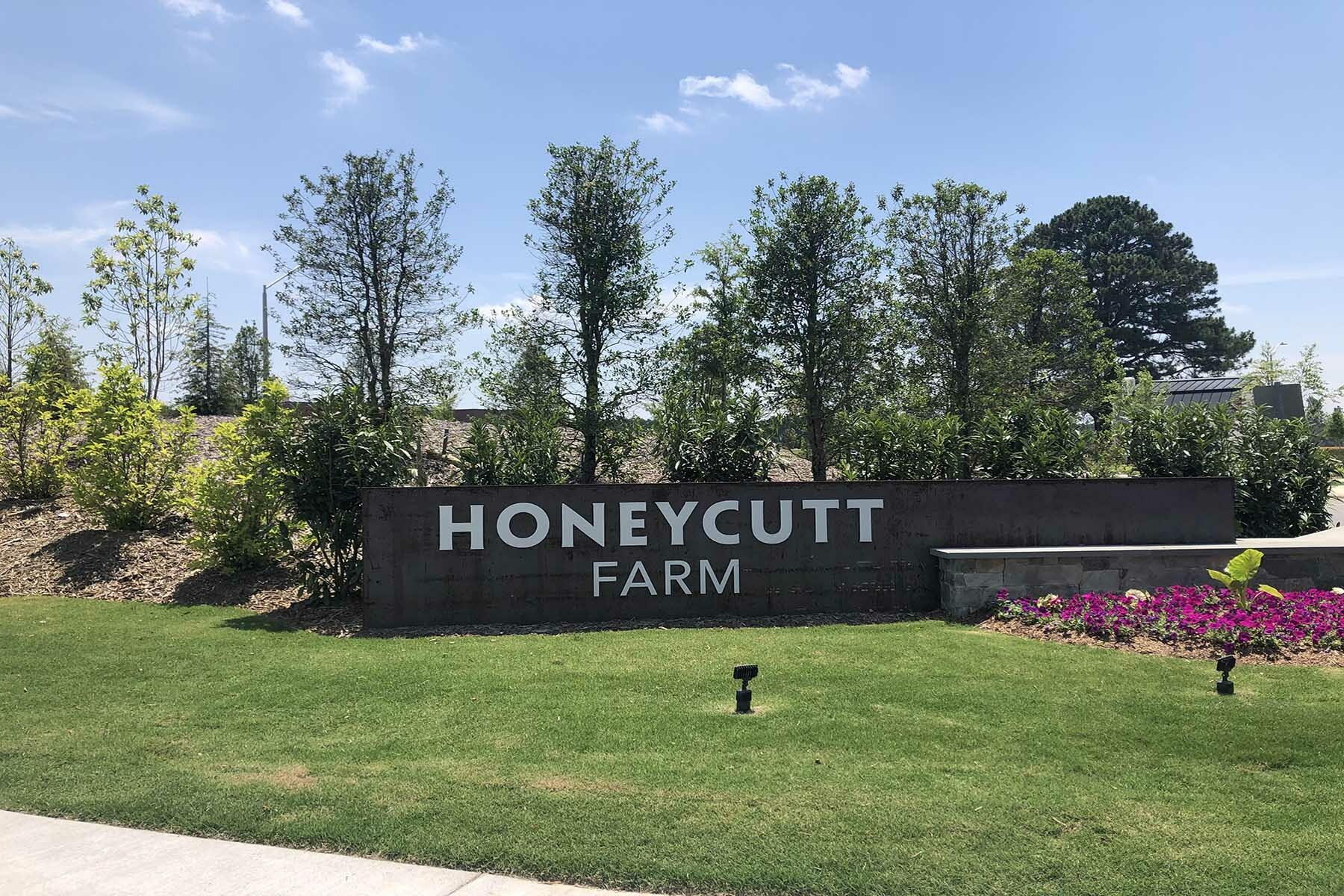 Honeycutt Farm Entrance