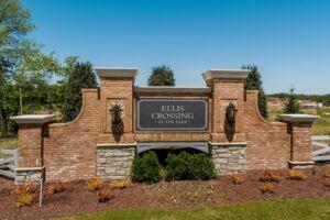 Ellis Crossing Entrance