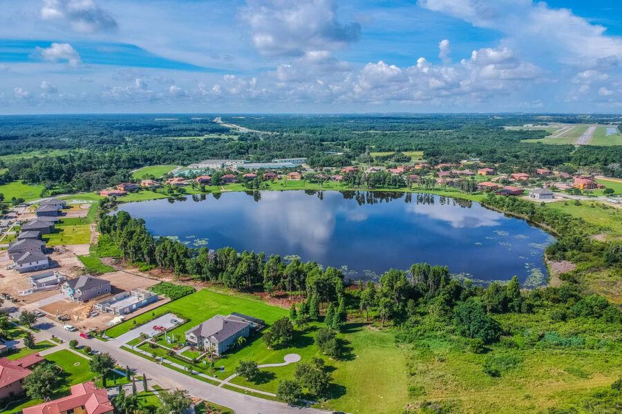 Toulon Lake