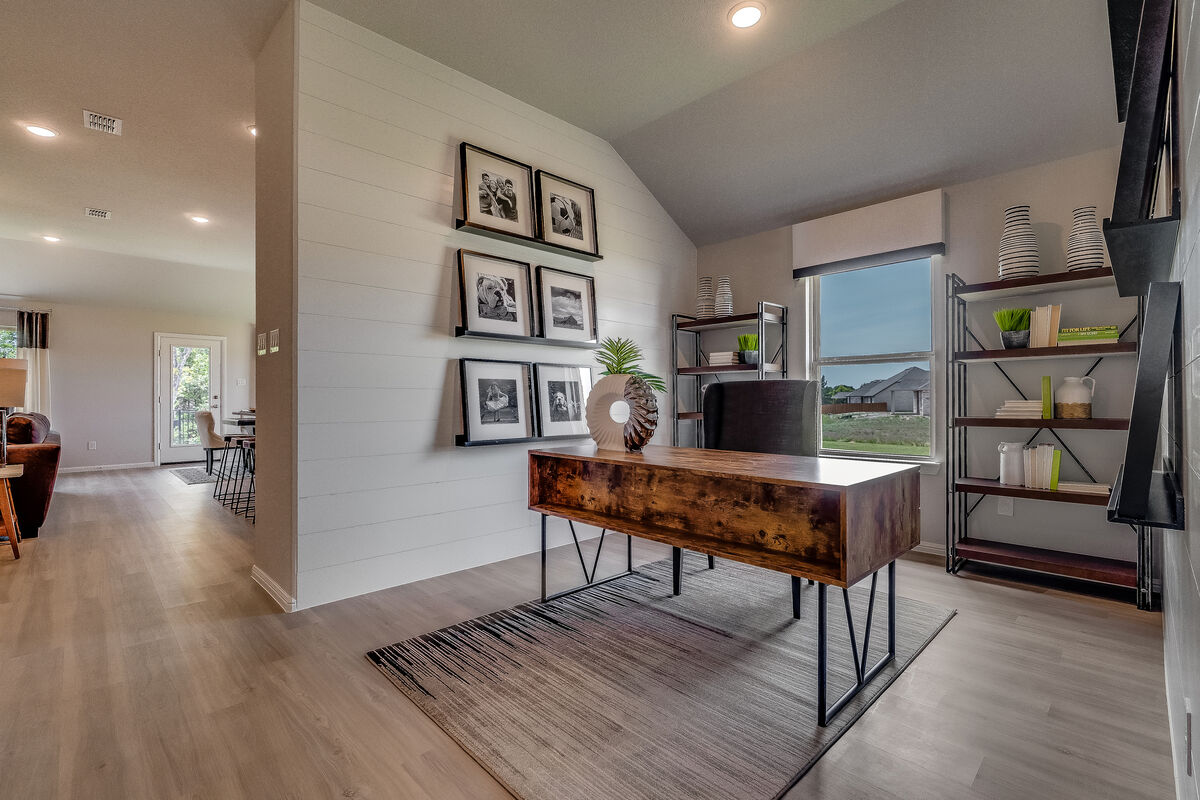 Light Farms - Sweetwater Smart Series Flex Room