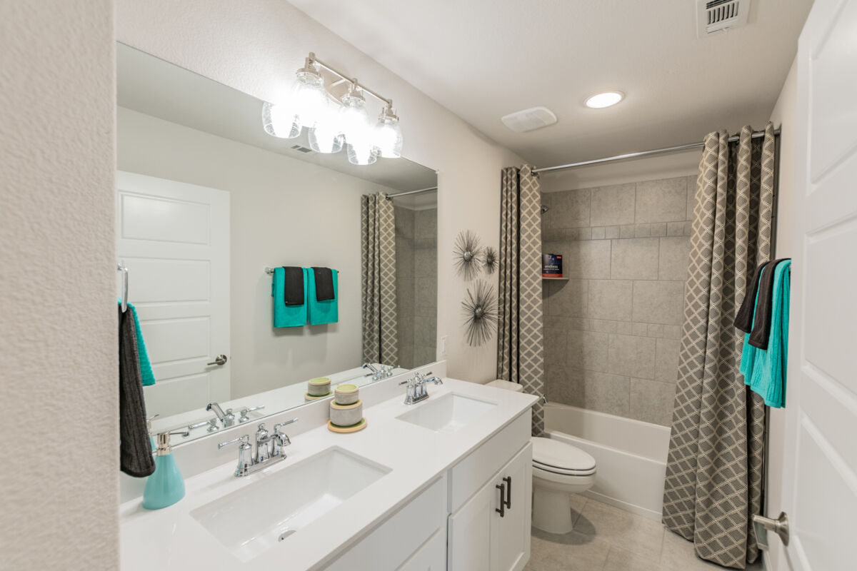 Light Farms - Sweetwater Reserve Series Bathroom