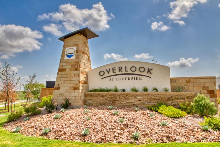 Overlook at Creekside Entrance