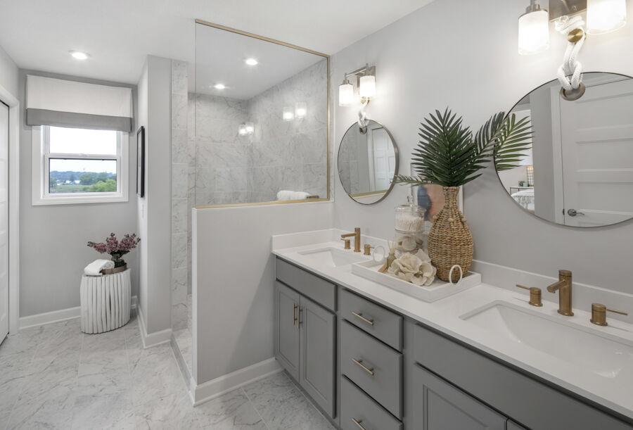 Island View Estates Owner's Bathroom
