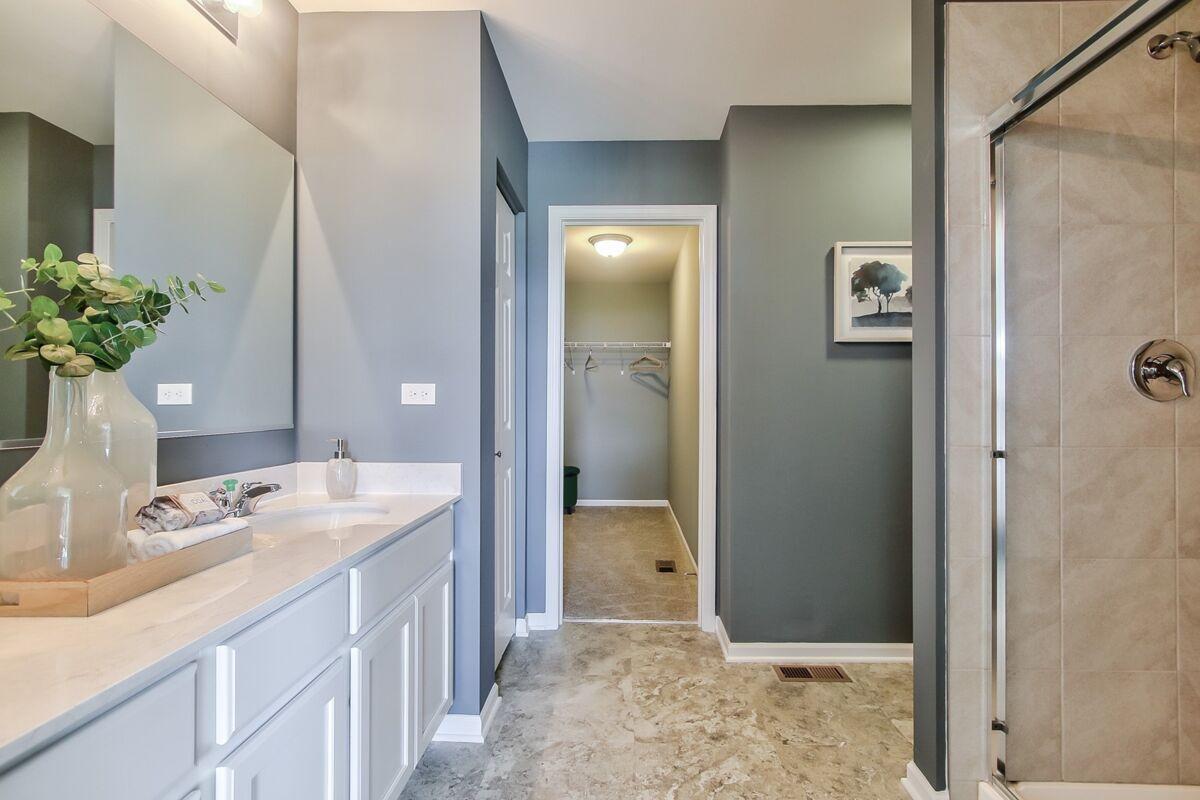 Lakewood Springs Club Owner's Bathroom