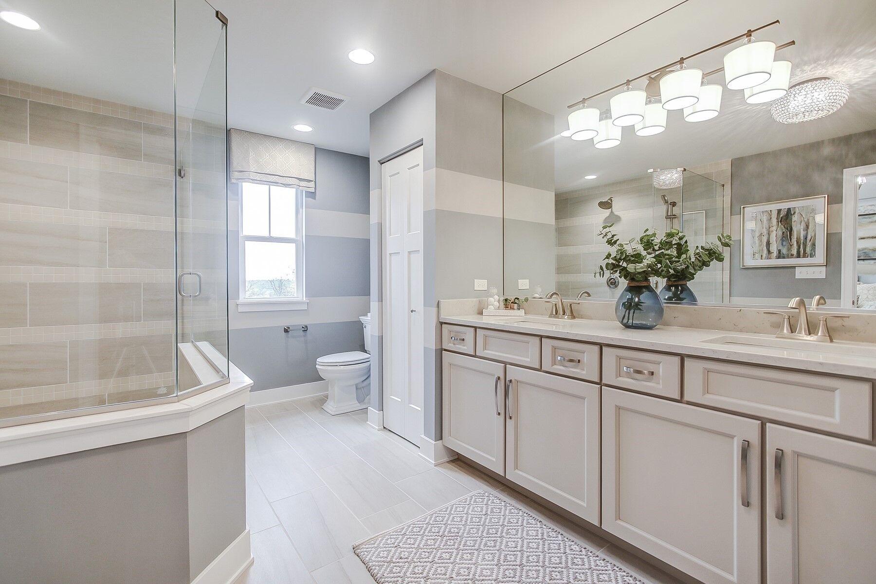 The Townes of Westbury Owner's Bathroom