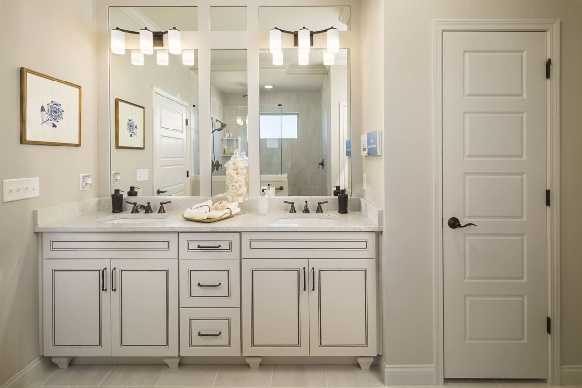 Carriage Hill Master Bathroom