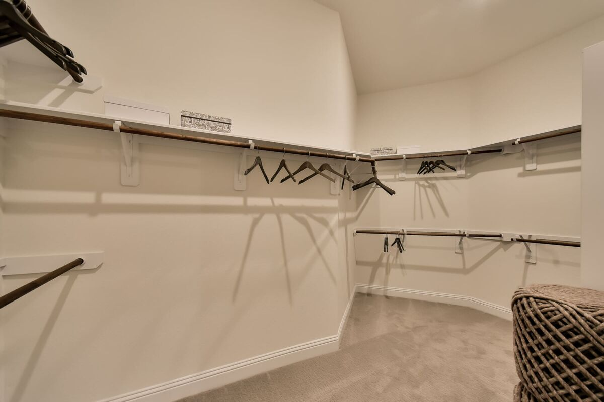 Bridgeland Owner's Closet