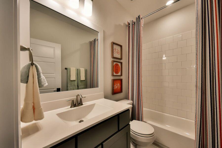 Bridgeland Bathroom